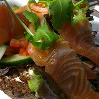 Foto scattata a Meat Bar & Kitchen da Dae P. il 8/3/2012