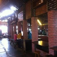 Photo prise au Tahu Susu Lembang par Veronica K. le8/19/2012
