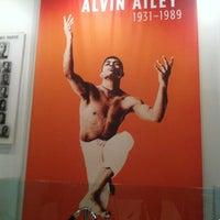 8/15/2012 tarihinde The Fashion B.ziyaretçi tarafından The Ailey Studios (Alvin Ailey American Dance Theater)'de çekilen fotoğraf