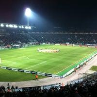รูปภาพถ่ายที่ Toumba Stadium โดย Dimitrios M. เมื่อ 2/24/2012