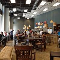 Foto tirada no(a) Awaken Cafe & Roasting por Bay M. em 9/11/2012
