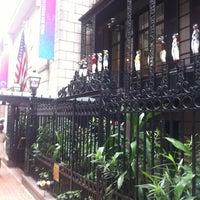Снимок сделан в 21 Club пользователем Eric P. 9/6/2012