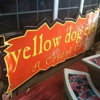 Снимок сделан в Yellow Dog Eats пользователем Valerie R. 7/8/2012
