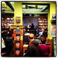 Foto tirada no(a) The Booksmith por Igor D. em 6/12/2012