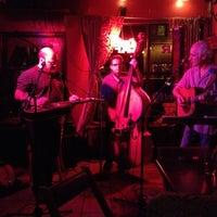 Foto diambil di Allen Street Hardware Cafe oleh Neal T. pada 5/25/2012