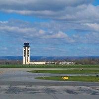 Foto tomada en Lehigh Valley International Airport (ABE) por Jerry M. el 4/2/2012