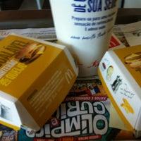 Foto tomada en McDonald's por Daniel D. el 4/25/2012