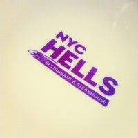 รูปภาพถ่ายที่ NYC Hell's โดย Marta A. เมื่อ 10/20/2013