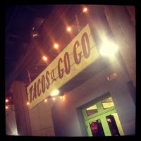 Foto tirada no(a) Tacos A Go-Go por Joshua J. em 9/28/2012