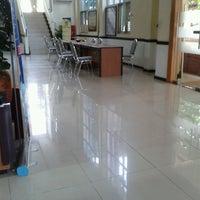 Foto scattata a Kantor Pelayanan Pajak Pratama Mataram Barat da iis t. il 4/16/2013