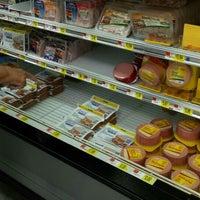Photo prise au Walmart Supercenter par Walter V. le10/13/2015