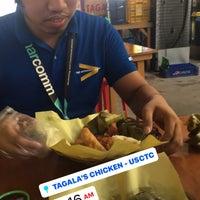 Photo prise au Chicken Tagala par Marie V. le10/19/2017