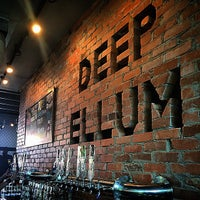 Photo prise au Deep Ellum Brewing Company par PureSky le6/27/2015