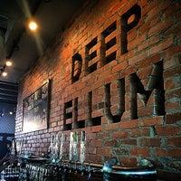 รูปภาพถ่ายที่ Deep Ellum Brewing Company โดย PureSky เมื่อ 6/27/2015
