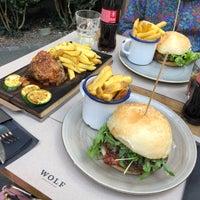 Das Foto wurde bei WOLF Burger&Steak von Walaa ~. am 7/14/2018 aufgenommen