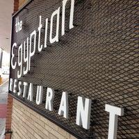 Das Foto wurde bei Campisi's Restaurant - The Egyptian Lounge von Mark T. am 11/10/2012 aufgenommen