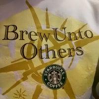 Das Foto wurde bei Starbucks von Gary S. am 3/15/2015 aufgenommen