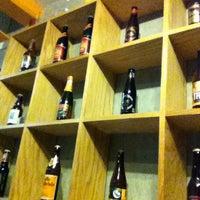 9/27/2013 tarihinde Victor F.ziyaretçi tarafından The Beer Company'de çekilen fotoğraf