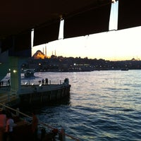 รูปภาพถ่ายที่ Galata Junior Restaurant โดย Didem A. เมื่อ 10/7/2012