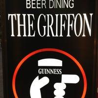 Foto scattata a BEER DINING The Griffon da Funky K. il 6/29/2013