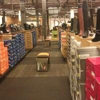 DSW Designer Shoe Warehouse - Shoe Store