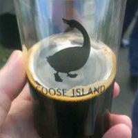 Das Foto wurde bei Goose Island Beer Co. von Eric B. am 9/21/2013 aufgenommen
