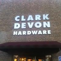 11/18/2013에 Takis TK K.님이 Clark-Devon Hardware에서 찍은 사진