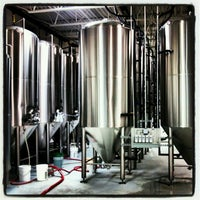 Foto tirada no(a) Lift Bridge Brewing Company por Dan S. em 1/5/2013