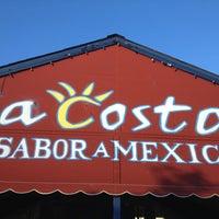 Foto tirada no(a) La Costa Taqueria por Eric C. em 4/20/2013