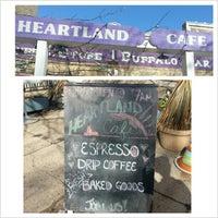 Foto tomada en Heartland Café por 4Square U. el 2/13/2013