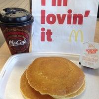 รูปภาพถ่ายที่ McDonald's โดย Ana Maria X. เมื่อ 1/25/2015
