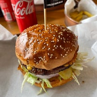 10/10/2021 tarihinde Anita Z.ziyaretçi tarafından Burger Bucks'de çekilen fotoğraf
