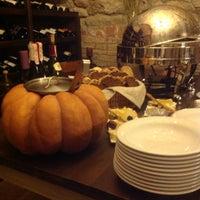 Снимок сделан в Vintage Boutique Wine Cellar пользователем Alyona M. 11/21/2014