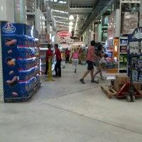 รูปภาพถ่ายที่ Macro Mercado โดย Cristian N. เมื่อ 2/22/2013