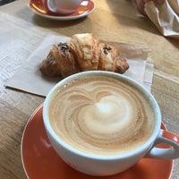 6/28/2018 tarihinde Jennyziyaretçi tarafından Compass Coffee'de çekilen fotoğraf