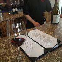 Foto tirada no(a) Girard Winery Tasting Room por MANGO em 3/27/2013