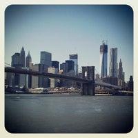 10/16/2012 tarihinde Tsvetan T.ziyaretçi tarafından Brooklyn Bridge Park'de çekilen fotoğraf