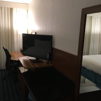 Foto scattata a Fairfield Inn & Suites Charlotte Uptown da Andrew M. il 11/15/2016