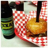 Снимок сделан в Stanton's City Bites пользователем Greg F. 6/8/2013