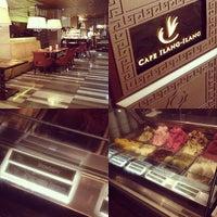 3/23/2013 tarihinde Arkin C.ziyaretçi tarafından Cafe Ilang-Ilang'de çekilen fotoğraf