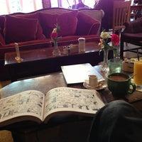 2/18/2013 tarihinde Michael R.ziyaretçi tarafından Tryst'de çekilen fotoğraf