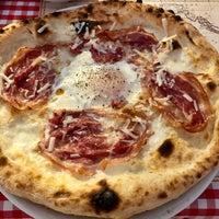 Photo prise au Pizzeria Ciao Tutti par Jenn L. le10/3/2018