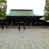 รูปภาพถ่ายที่ ศาลเจ้าเมจิ โดย Yusuke A. เมื่อ 4/23/2013