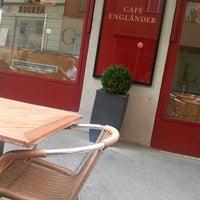 7/10/2013 tarihinde sabrina o.ziyaretçi tarafından Cafe Engländer'de çekilen fotoğraf
