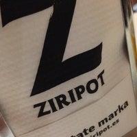 Foto diambil di Ziripot oleh Hector A. pada 4/30/2015