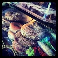 3/8/2013 tarihinde Alex ⚡.ziyaretçi tarafından bagel, coffee & culture'de çekilen fotoğraf