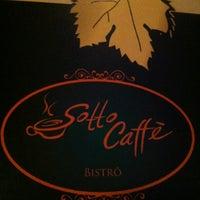 Foto tirada no(a) Sotto Caffè Bistrô por Janaína C. em 4/28/2013