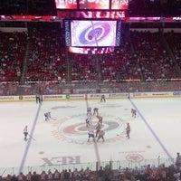 รูปภาพถ่ายที่ PNC Arena โดย Jessi B. เมื่อ 4/3/2013