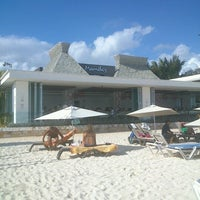 Foto tomada en Mamita's Beach Club por Juan G. el 12/17/2012