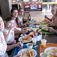 รูปภาพถ่ายที่ Restaurante Golden Grill โดย Fabiana K. เมื่อ 8/3/2014